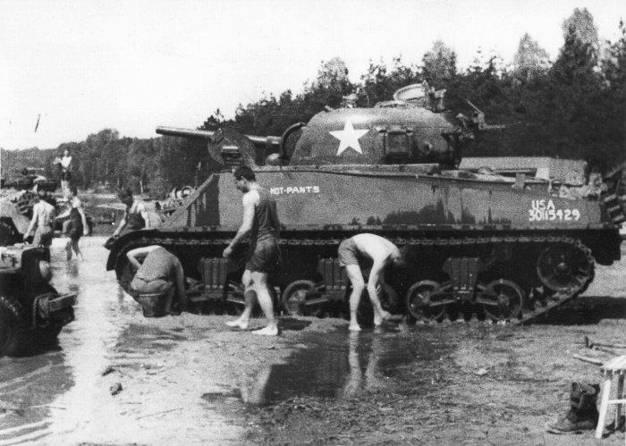 25. 8. 1944 Osvobození Paříže